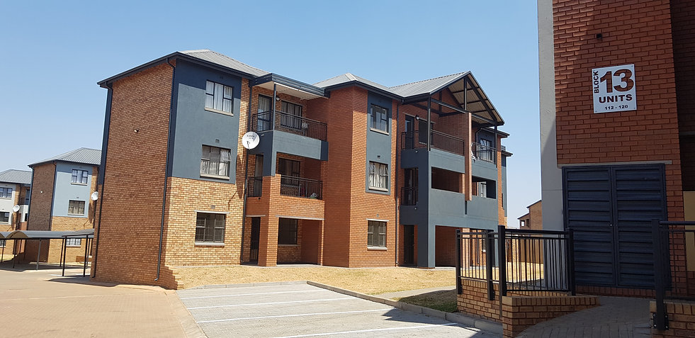 East on 82 is a residential development designed by Hub Architects and is located in Alveda Park, Johannesburg, South Africa