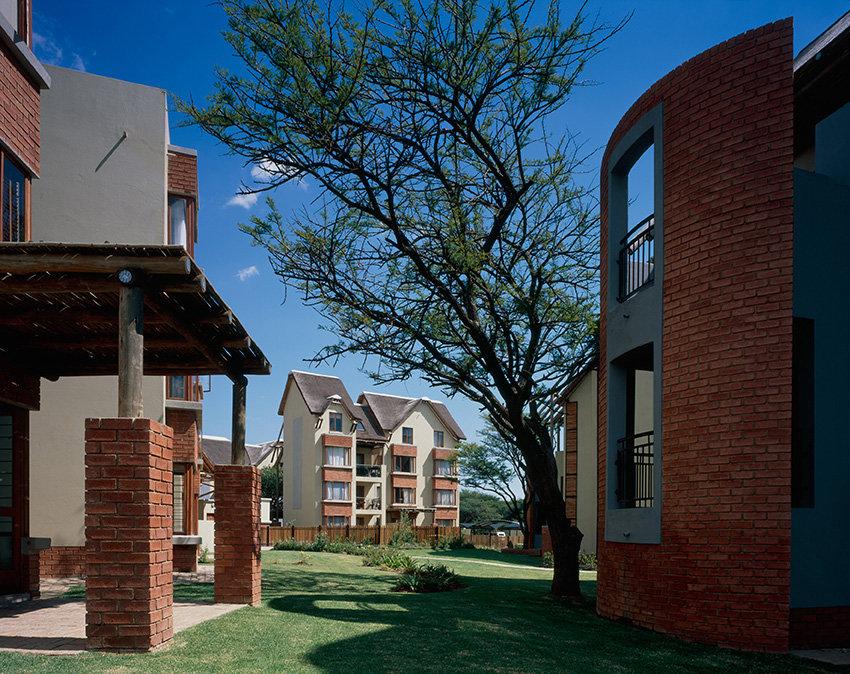 21 Zambezi Estate is a residential development designed by Hub Architects and is located in Zambezi, Pretoria, South Africa