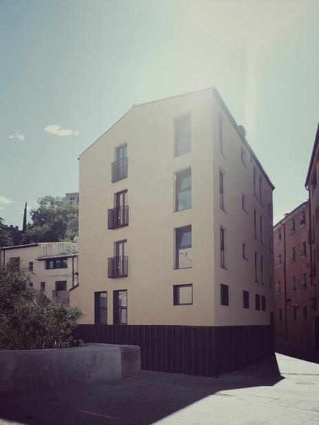 Nuevo edificio en Girona