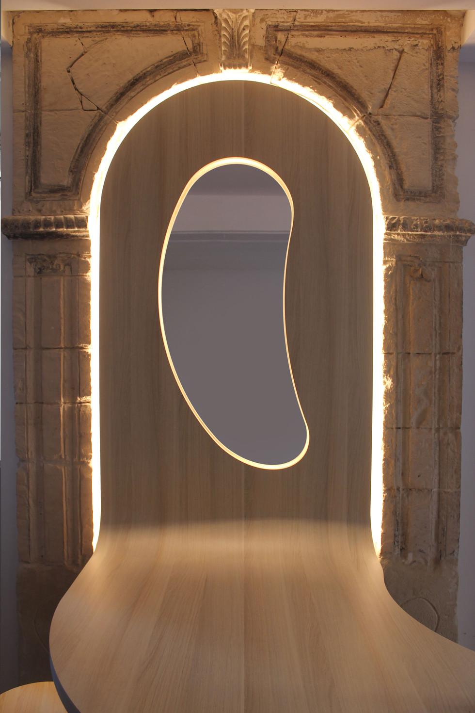 La table miroir éclairée