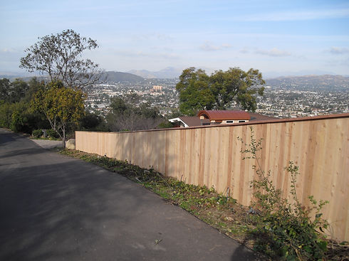 Cedar Fence 6' Top Rail.jpg