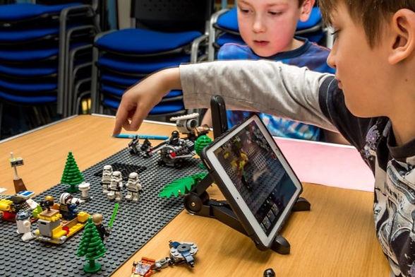 Lego-Workshop-3-940x460_StopMotion_Kids_