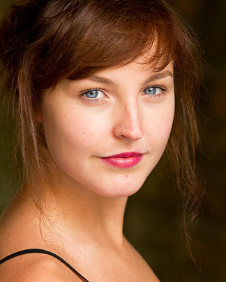 Georgia Phillips | Actors Headshots