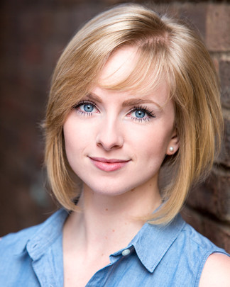 Alice Loombe | Actors Headshots