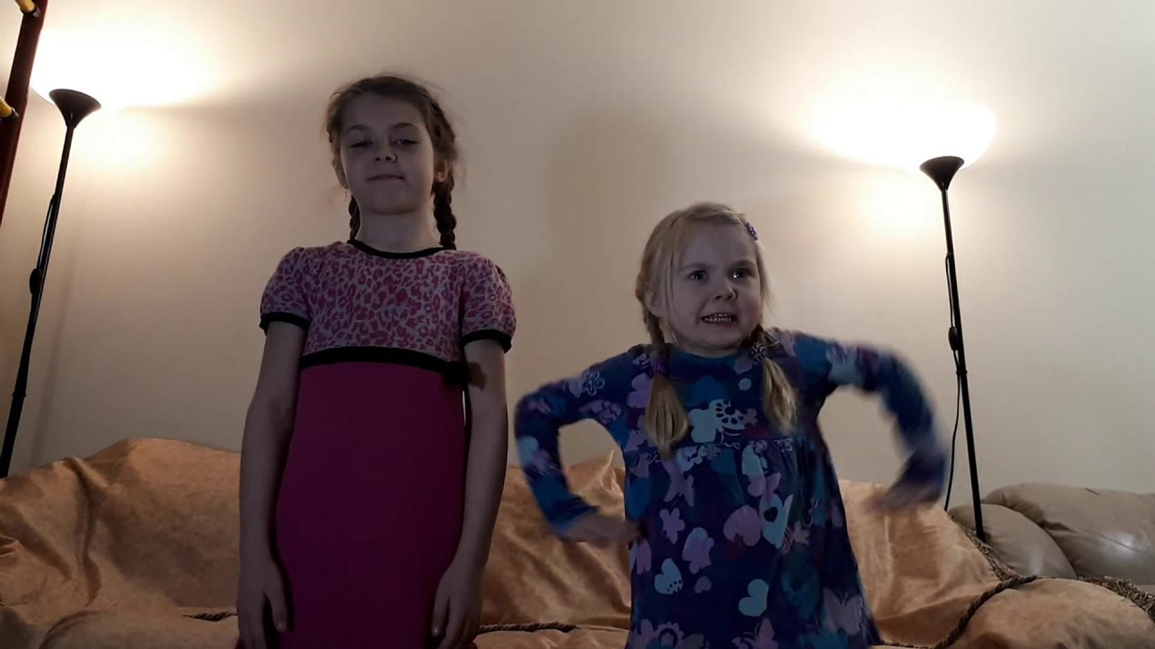 сестры Соня и Мила Фалькович