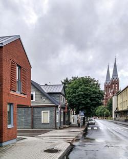 fasadas su bažnyčia