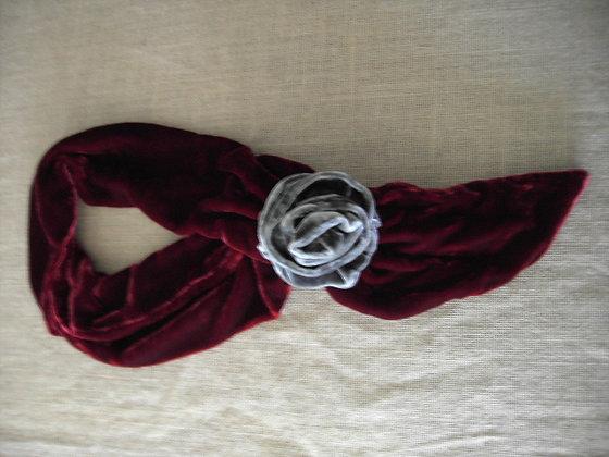 ROSE SCARF ( red/grey )