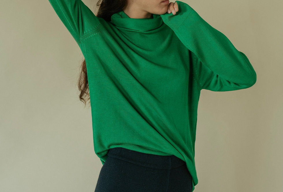 Green Bamboo Turtle Neck
