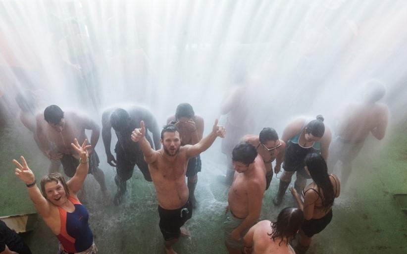 Sea shower!