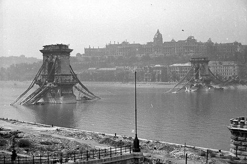 World War II and Communism in Budapest (cca. 9km)