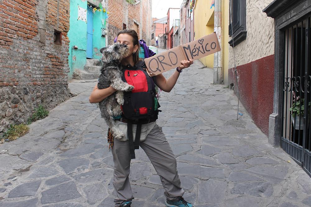 Anna y Nuska hitchhiking Mexico
