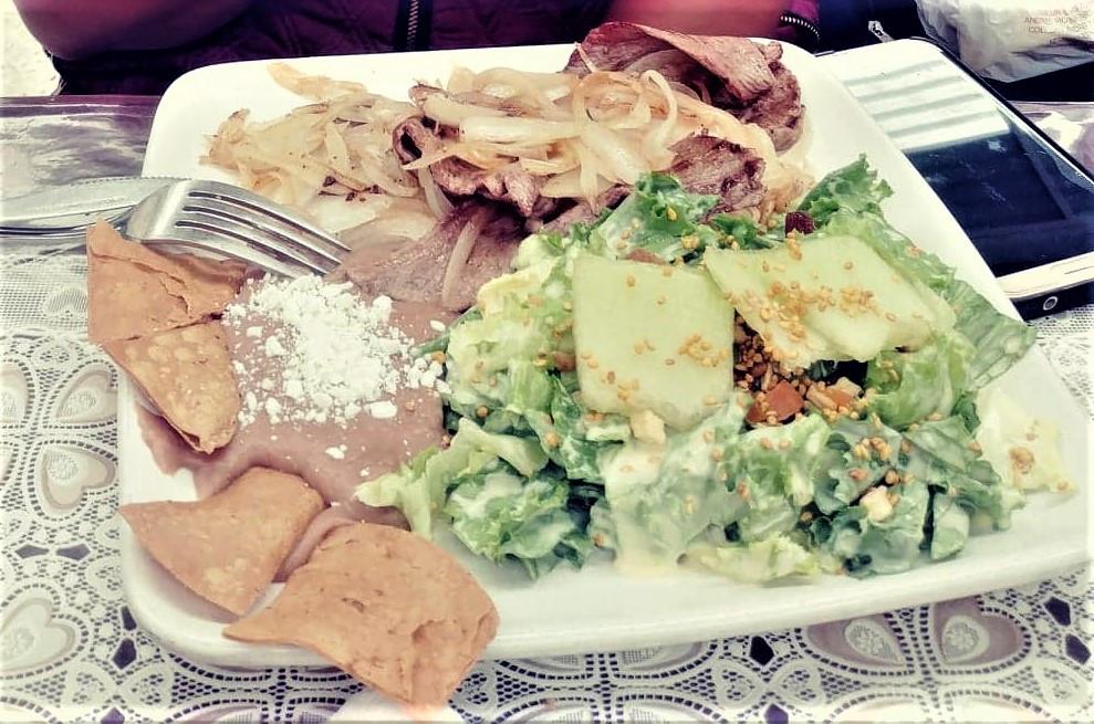 Bistec encebollado mexicano