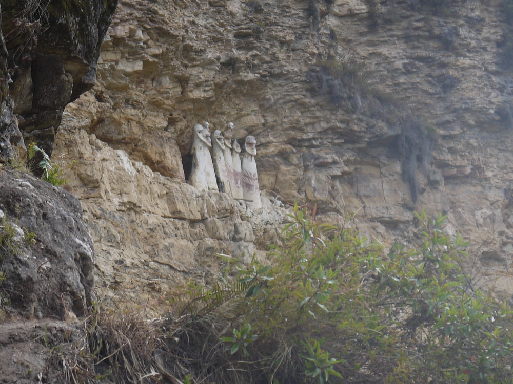 Sarcófagos de Karajía Perú