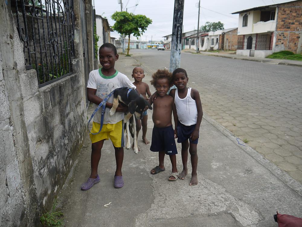 Niños locales
