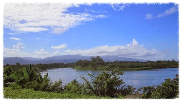 20140116_13_52_51_Ri_o_Sixaola_from_Guabito_Bocas_del_Toro_Panama__edited.jpg
