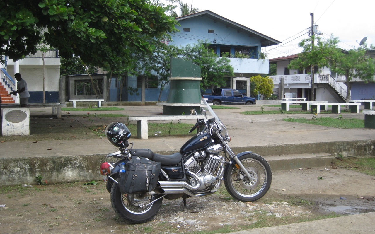 Town at end of Panamerican Highway - Yaviz