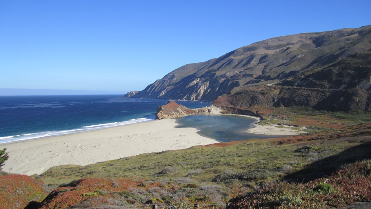 View from Pacific Coast Highway north of Big Sur, CA, USA