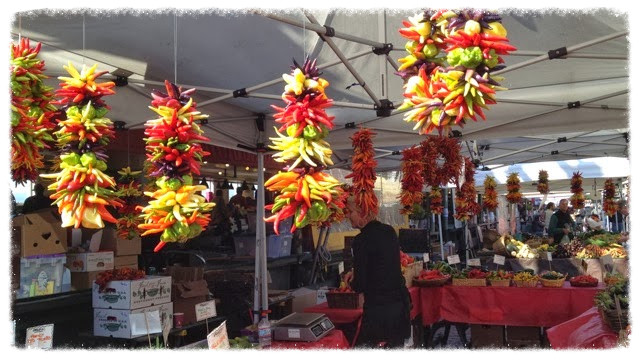 I just love these hanging chili pepper decorations