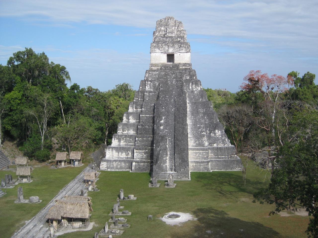 Templo I and Gran Plaza - Templo II, Tikal