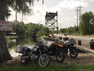 USA LA 15 km of LA-307 – The Only Curves (I think) in SE Louisiana
