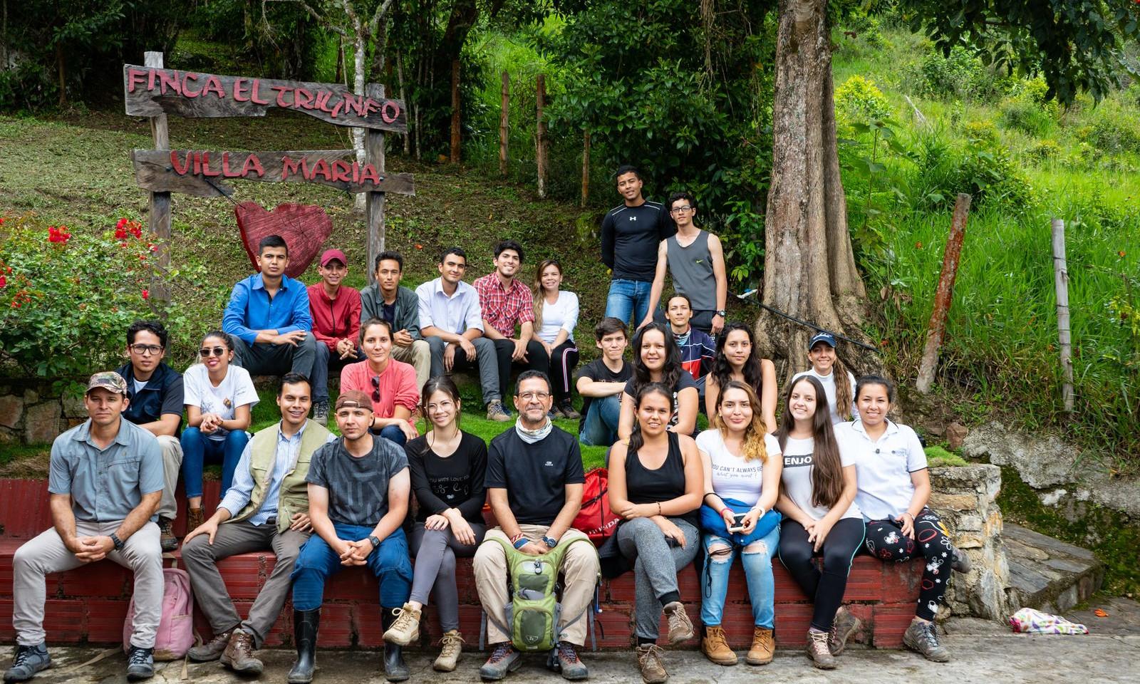 Grupos de estudiantes de Ecología 2019A