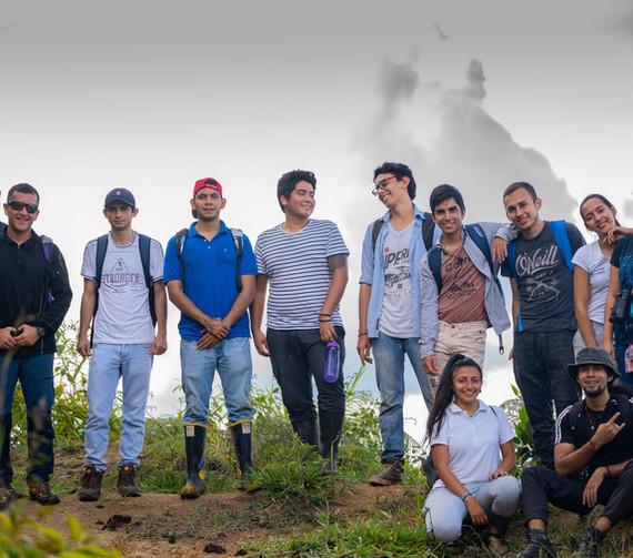 Grupos de estudiantes de Administración Ambiental 2019A