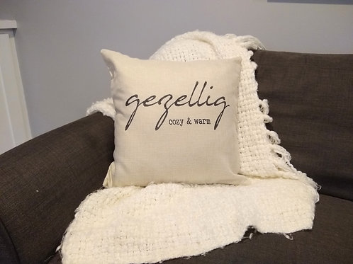 Gezellig Pillow : Cozy & Warm