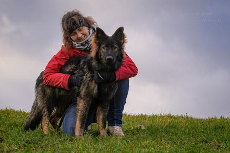 Merâl mit Ihrer Akela von der Wolfskaule (8 Monate jung)