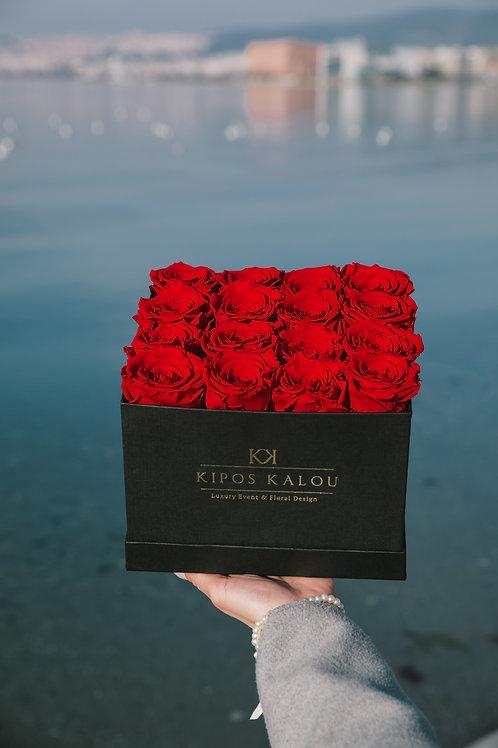 Σύνθεση με 16 Eternity Roses
