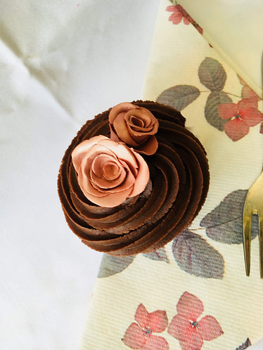 Roses and Chocolates Cupcakes In Rose Gold