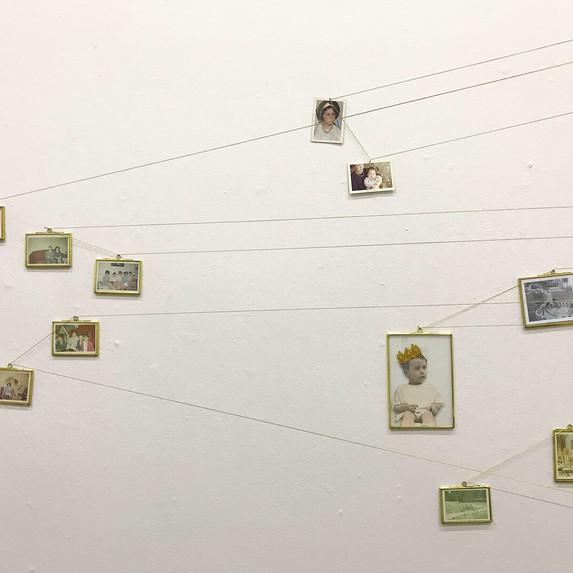 Installation view 1 mes 1 artista, Artículo 123, Mexico City