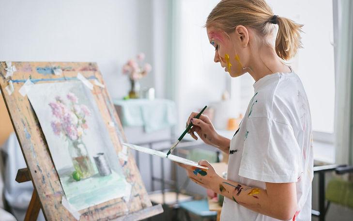 sunny-art-centre-kids-art-course_trans_NvBQzQNjv4BqrWYeUU_H0zBKyvljOo6zlhMSxGIR1rd_-iNIxL4