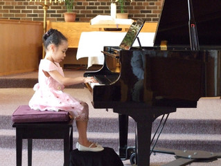 "5 Factors to Consider When Asking ""Is My Child Ready for Piano Lessons?"""