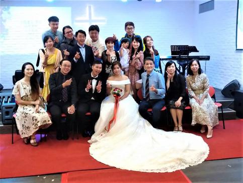 十年的磨合、等待、接納...;恭喜 誼泰/怡馨終於結婚了....