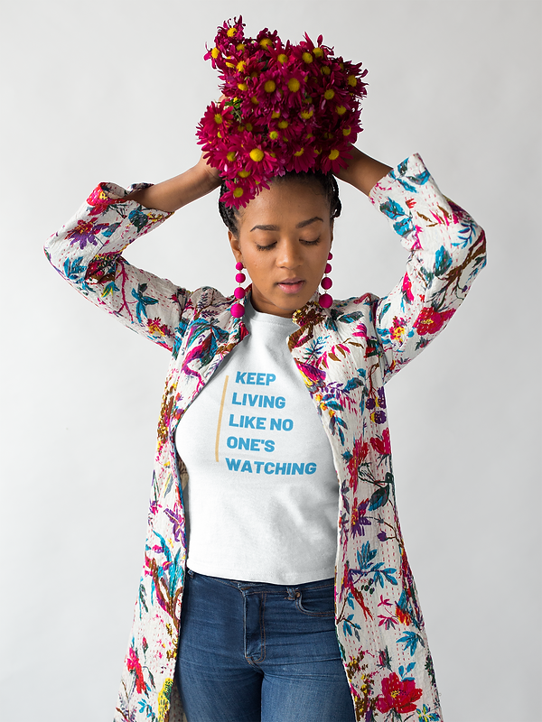 mockup-of-a-woman-wearing-a-t-shirt-hold