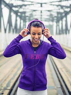 mockup-of-a-jogger-with-headphones-weari