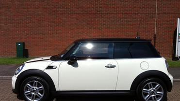Car Window Tinting Bedford 4.jpg