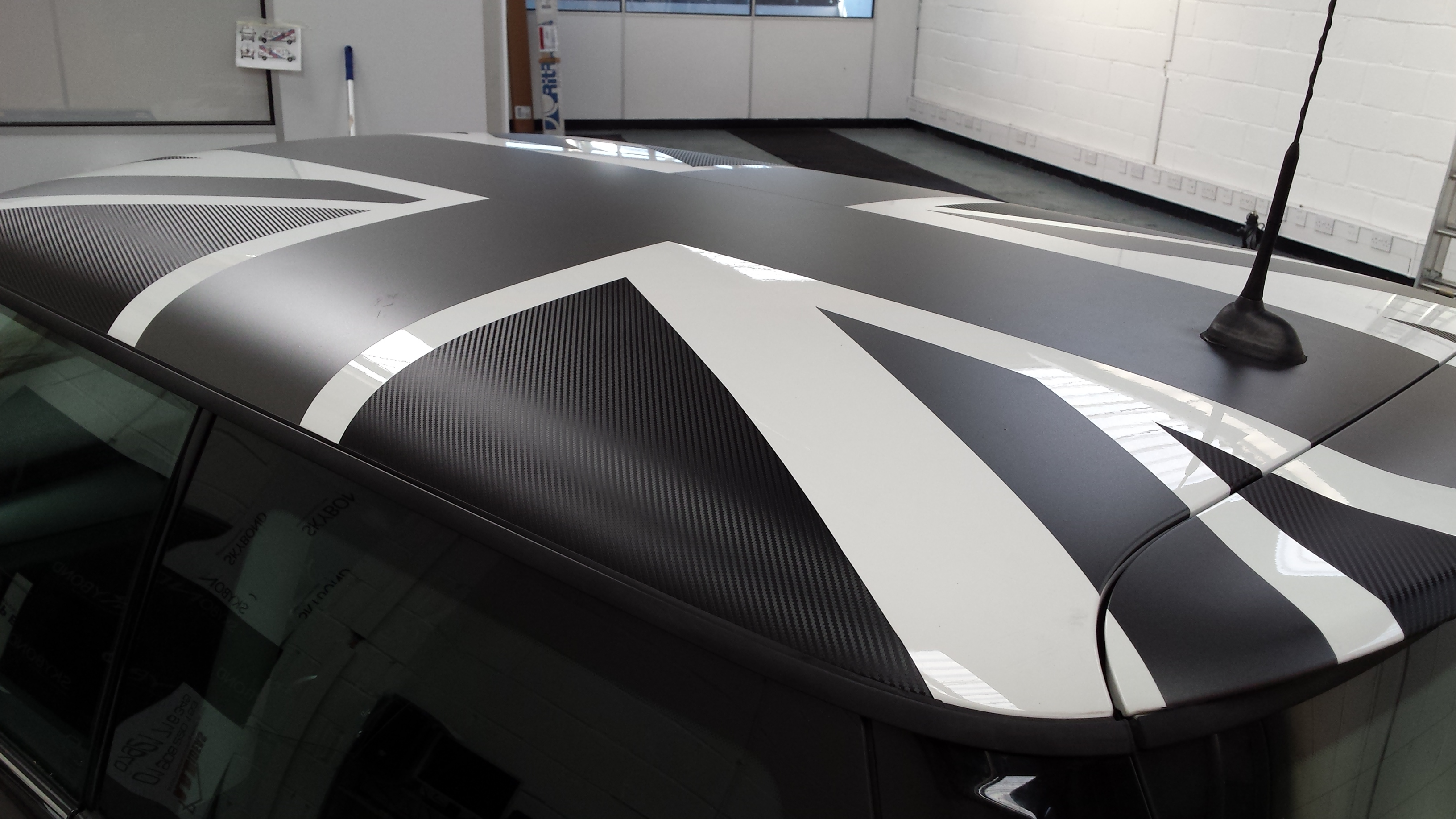 Mini Carbon Fibre and Graphite Roof Wrap