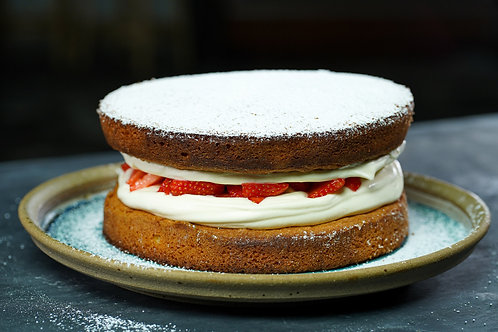 Victoria Sponge, Cream & Fresh Strawberries