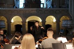 Jonas Bürgin mit dem St. Christopher Chamber Orchestra