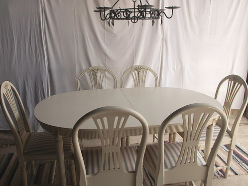 Gustavian Dining table with 6 chairs (Bord Gustavianskt)
