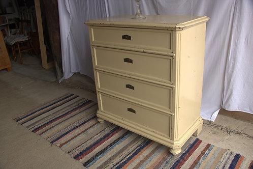 Off White Dresser (Byrå beige med 4 st lådor)