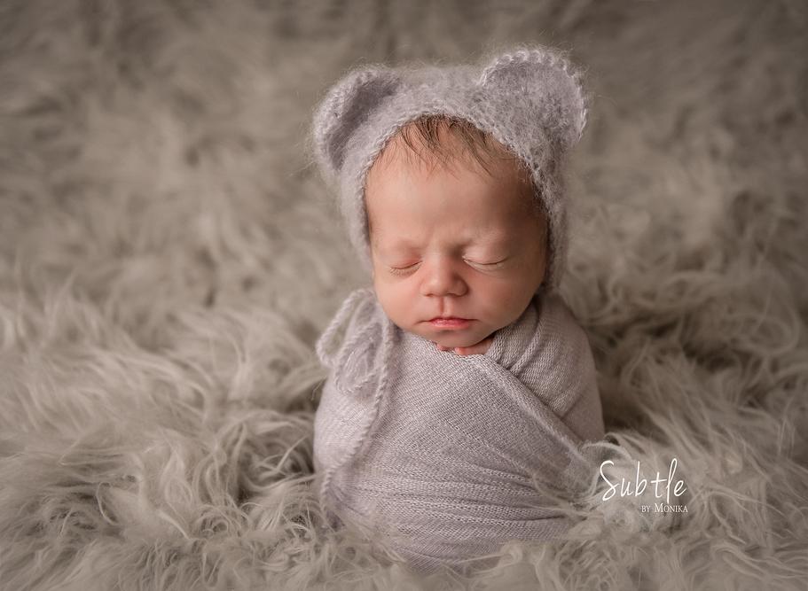 newborn boy photo studio session