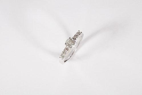 Ring big diamond with small