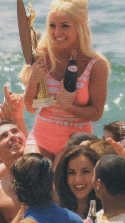 britney & menina_beach - star magazine - cropped
