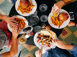 5 Ways Restaurants Can Turn SMS Marketing to Their Advantage