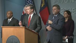 Gobernador de NC emite orden de permanecer en casa a nivel de estado