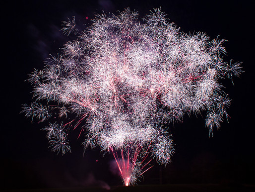 Best Effects for Wintertime Fireworks Displays