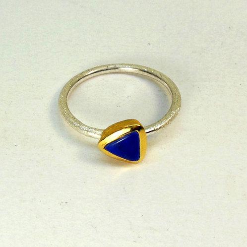 Ring mit Lapislazuli