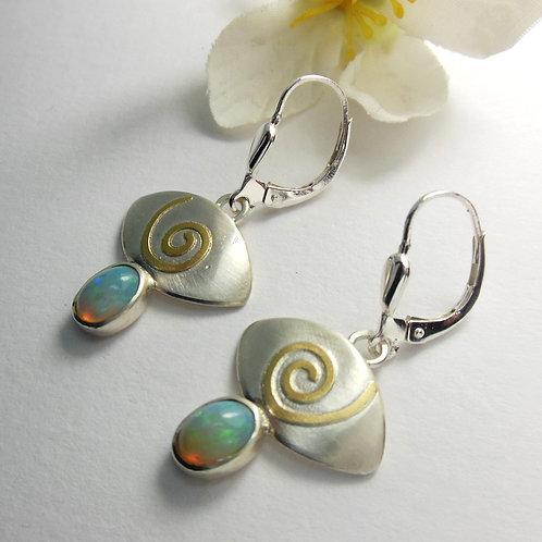 Ohrhänger mit Opalen